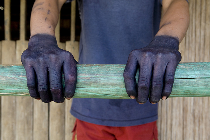 Jagua Hands by Pascal Giacomini